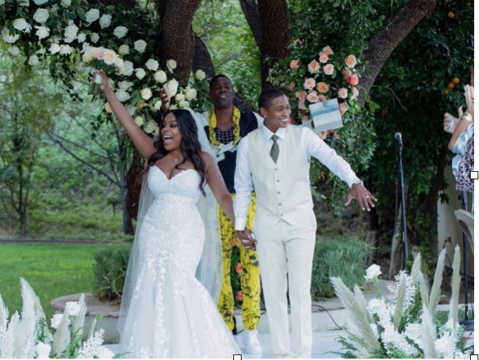 Niecy Nash Comes Out to the World with Wedding Picture